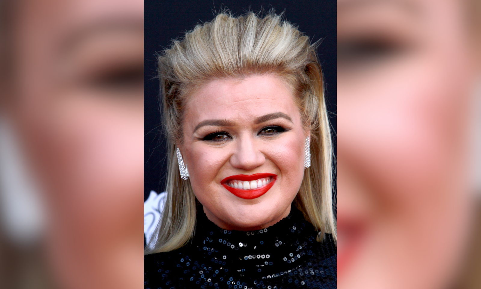 Kelly Clarkson Teases Behind The Scenes Of Her Talk Show