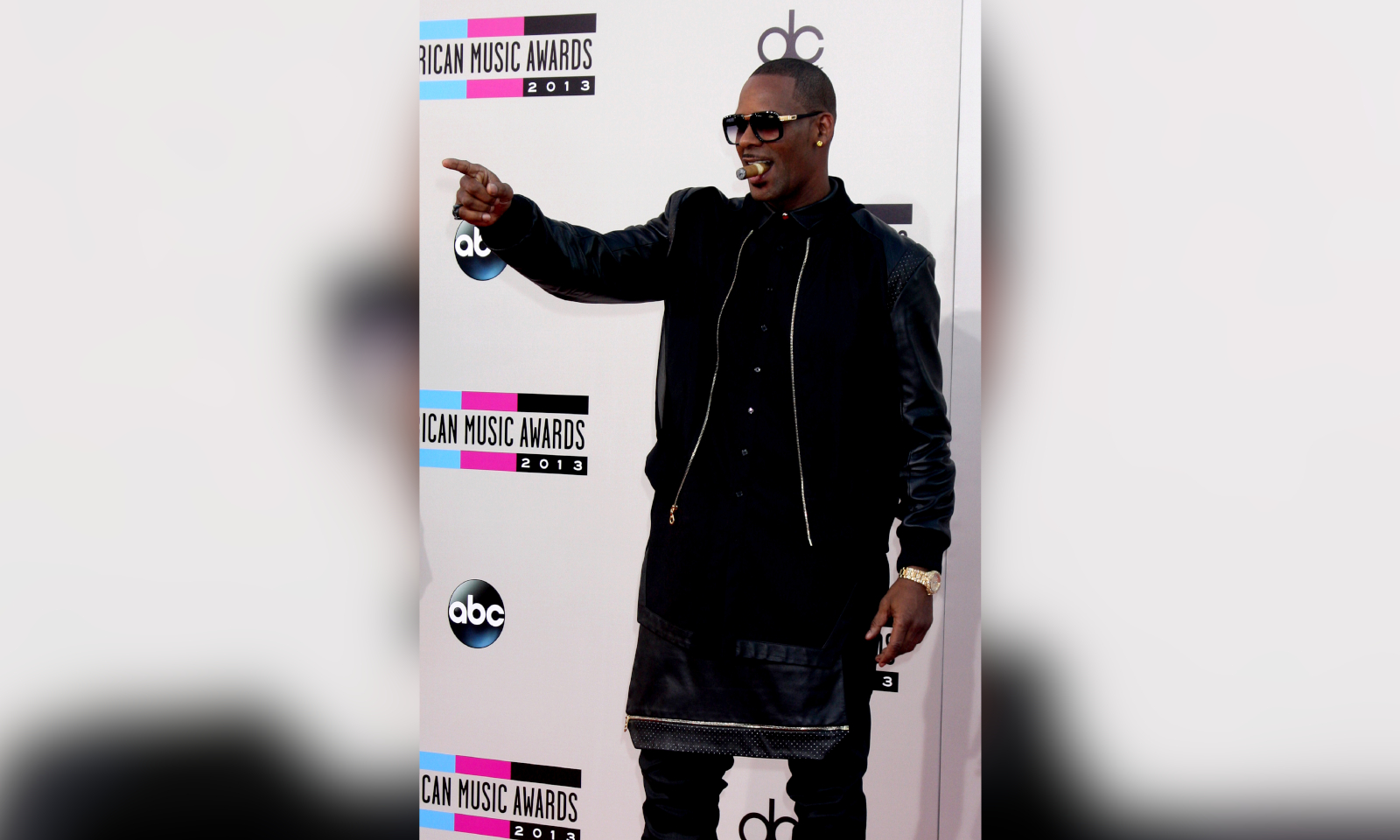 R. Kelly: Prosecutors Obtained Medical & Uber Records