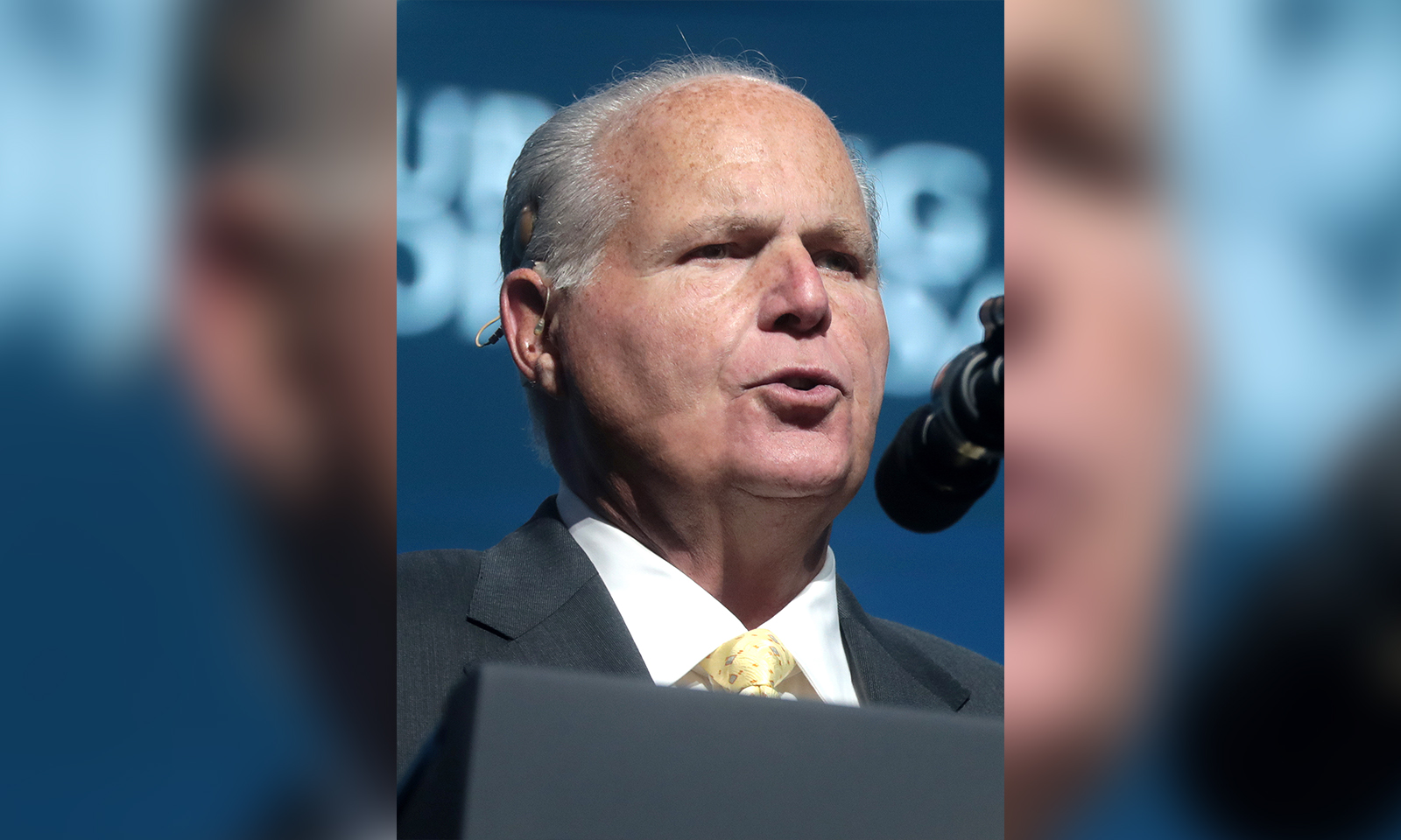 Rush Limbaugh Tells Listeners He's Been Diagnosed With Lung Cancer